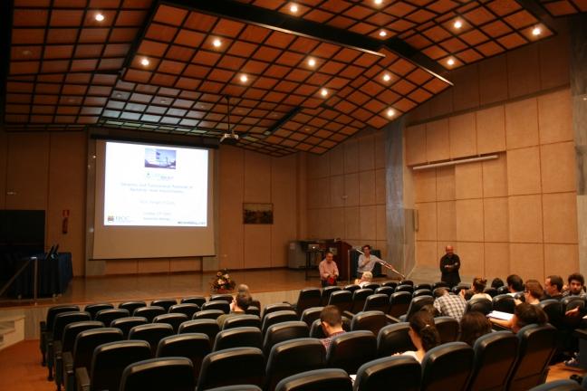 El Salón de Grados de nuestra Facultad es el lugar en el que, habitualmente, se imparten las Conferencias MBCM